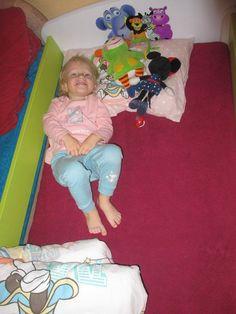 V nové postýlce se krásně leží :-) Toddler Bed, Furniture, Home Decor, Style, Homemade Home Decor, Home Furnishings, Decoration Home, Arredamento, Interior Decorating