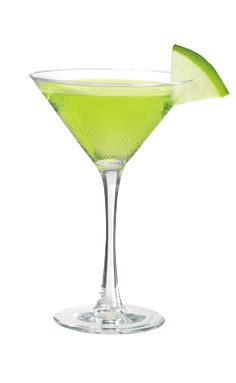 The Green Apple Martini is a green drink made from Smirnoff green apple vodka, Midori melon liqueur, sour mix and apple juice, and served in a chilled cocktail glass. Vodka Drinks, Cocktail Drinks, Fun Drinks, Yummy Drinks, Alcoholic Drinks, Beverages, Cocktails, Cocktail Recipes, Vodka Lemonade
