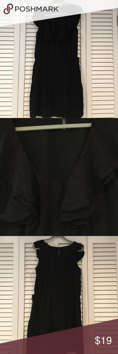 """GAP """"LBD"""" great detail and super comfy Great ruffle neck detail that carries over to back. Drawstring waist. Tiered """"skirt"""" detail. I wish GAP still made cute clothes like this! Slightly worn GAP Dresses Midi"""