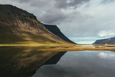 Kleine Bergkette nahe Ísafjörður in den Westfjorden (September 2016)