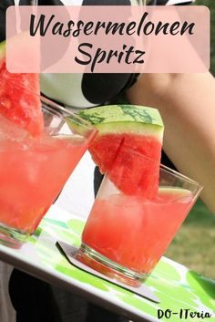 Extend the summer and the holiday feeling with a delicious watermelon Spritz drink in the garden or Healthy Drinks For Kids, Healthy Snacks, Spritz Drink, Snack Mix Recipes, Fancy Drinks, Cool Bars, Refreshing Drinks, Party Snacks, Mixed Drinks