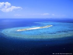 this island is NAGANNU island in Okinawa.