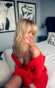 Hello my Bombshells!!! : Photo Erin Heatherton