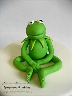 Kermit The Frog - by SpongecakesSuze @ CakesDecor.com - cake decorating website