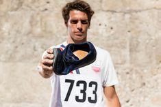 E' sufficiente calzare un paio di scarpe belle ed eleganti? Forse, o forse no. Secondo noi di Fabi l'eleganza e il fascino di una scarpa devono sempre accompagnarsi alla comodità e per questo, qualche anno fa, abbiamo lavorato all'evoluzione della costruzione inglese Goodyear brevettando il Fabi Flex Goodyear 102. I nostri Maestri sono riusciti a creare un sofisticato equilibrio tra tradizione e innovazione. 18th, Sneakers, Sports, Tops, Elegant, Tennis, Hs Sports, Slippers, Sneaker