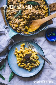 Are you looking for the most wonderful creamy vegan pasta bake? This is the place for you, my creamy pumpkin pasta bake is just what you need in your life. Great Vegan Recipes, Fall Recipes, My Recipes, Pasta Recipes, Baking Recipes, Vegetarian Recipes, Vegan Pasta Bake, Creamy Vegan Pasta, Vegan Comfort Food