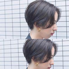 並木一樹 ショートヘア スペシャリストさんはInstagramを利用しています:「today's guest🌿 ○ スリークな質感のハンサムなショートhair🌿 カラーは6トーンのオリーブアッシュで暗めでも透明感のあるカラーリング🌿 襟足はコンパクトにフィットするようにカットしています🌿…」