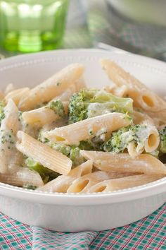 Penne and Broccoli with Creamy Garlic Cheese Sauce (Weight Watchers)