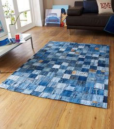 Denim Patchwork Rugs in Blue - Free UK Delivery - The Rug Seller Not a Bag, but cool Upcycled Denim Rug An great idea for recycling redundant denim - a patchwork rug made of old jeans. How many jeans are thrown away each year globally - we don't know the Patchwork Denim, Denim Rug, Patchwork Rugs, Denim Quilts, Diy Jeans, Jean Crafts, Denim Crafts, Tapetes Diy, Denim Ideas