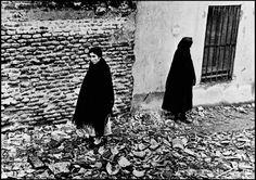 Robert Capa //  Madrid. Winter 1936-1937. After an Italo-German air raid.