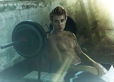 Filtran fotos de Justin Bieber desnudo en su viaje a Bora Bora