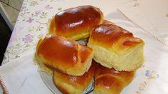 Receita de Pão caseiro macio - 4 ovos 1/2 copo (125 ml) de óleo 4 colheres (sopa) açúcar 1 colher (sopa) rasa de sal 2 1/2 colheres(sopa) de fermento instantâneo 2 copos (500 ml) de leite morno 1 kg de farinha