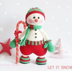 Вязаный снеговик крючком амигуруми