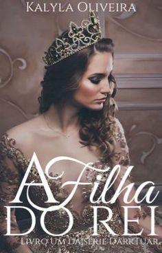 LIVRO 1 Kyara é a princesa, tem tudo o que quer, é feliz no castelo e amada pelo reino. Um dia o castelo é atacado por...
