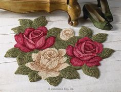 . Hand Embroidery Designs, Embroidery Patterns, Shabby Chic Rug, Crochet Carpet, Punch Needle Patterns, Latch Hook Rugs, Crochet Flower Tutorial, Doily Patterns, Embroidery Techniques