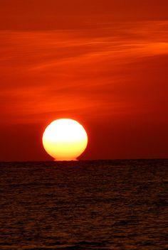 SUNSET : a punto de dormir el Tata Inti se despide brindándonos su ultima energía del dia*
