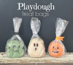 Halloween Playdough Treat Bags - LOVE this non-candy idea!