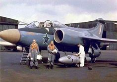 South African Air Force✈Blackburn Buccaneer S 50 at the Hawker Siddeley test centre in 1965 Military Jets, Military Aircraft, Military Girl, Fighter Aircraft, Fighter Jets, Commonwealth, Blackburn Buccaneer, South African Air Force, Army Day
