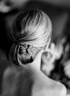 Gorgeous bridal hair accessories to make any bride's hair stand out on her big day Up Hairstyles, Pretty Hairstyles, Wedding Hairstyles, Bridal Hairstyle, Bridesmaid Hairstyles, Style Hairstyle, Bridal Updo, Wedding Hair And Makeup, Hair Makeup