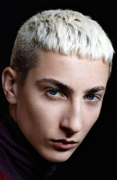 "15 Sexy French Crop Haircuts for Men Receive excellent recommendations on ""mens hairstyles short"". They are actually on call for you on our web site. Classic Hairstyles, Straight Hairstyles, Cool Hairstyles, Easy Hairstyle, Hairstyles 2018, Scarf Hairstyles, Stylish Haircuts, Haircuts For Men, Short Hair Cuts"