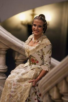 Carla Jiménez, on arrival at her proclamation ceremony as Main Fallera or Queen of the Valencia Fallas 2013  Source: EFE / Dressing Biel