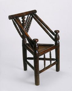Pictures and description of antique Elizabethan chairs such as x frame chairs and other antique English renaissance furniture. Medieval Furniture, Antique Furniture, Furniture Decor, Camping Furniture, Antique Chairs, Tudor Style, Tudor Era, Medieval Life, Wood Lathe