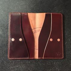 ZeeBee Leather: Specializing in custom leather goods. Handmade with pride in San Diego, CA. Leather Wallet Pattern, Slim Leather Wallet, Handmade Leather Wallet, Simple Wallet, Diy Wallet, Long Wallet, Fire Hose Projects, Leather Projects, Leather Crafts