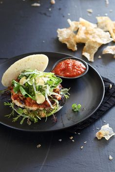 Try Making this tasty Spicy Fish Burger with Kimchi Fish Burger, Fish Sandwich, Gourmet Burgers, Mashed Avocado, Food Crush, Roasted Butternut, Just Cooking, Kimchi, Seafood