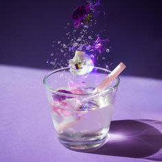 "Gefällt 304 Mal, 4 Kommentare - all the lil things (@allthelilthings_mag) auf Instagram: "" Those who don´t believe in magic will never find it  this  floral drink is magical also…"""