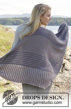 We love the geometric stripes of this BabyAlpaca Silk shawl!