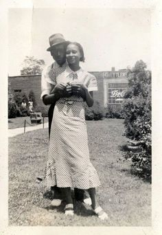 Memphis couple, 1930s by ⓑⓘⓡⓒⓗ from memphis, via Flickr