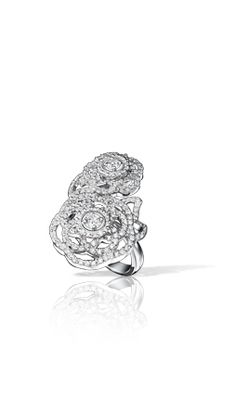 Camélia Ring in 18K white gold and diamonds, large version - Chanel Fine Jewelry