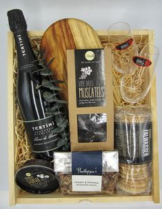 Celebrate a special occasion or enjoy this special gift just because. A divine selection of products that would please any foodie. Toast with a beautiful Blanc de Blancs from the Southern Highlands in a pair of stunning Reidel stemless champagne glasses. Complete the experience with delicious treats for a scrumptious platter.