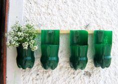 Reciclagem - madeira + garrafas pet = jardineira
