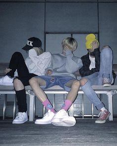 ☾pιɴтєrєѕт:cнσcσмuяℓк ☽ Mode Ulzzang, Korean Boys Ulzzang, Ulzzang Couple, Ulzzang Boy, Korean Best Friends, Boy And Girl Best Friends, Group Of Friends, Cute Friends, Bff