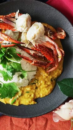 Thai Style Crab Curry Fresh Blue Crab And A Creamy Sauce Intersect In A Dish That Makes All Your Curry Flavored Dreams Come True Blue Crab Recipes, Lobster Recipes, Tilapia Recipes, Sushi Recipes, Seafood Recipes, Asian Recipes, Cooking Recipes, Sushi Recipe Video, Kitchens