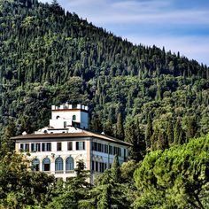 Fiesole, Italy | If you're looking for travel destination to go on your vacation, here you can find some ideas to help you with! #travel #traveldestination #traveljournal