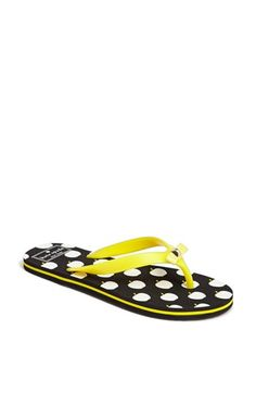 polka dot and yellow flip flops - perfect for summer!!