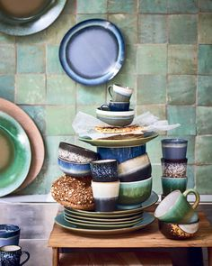 Stapel servies- Boer Staphorst | #servies #hkliving #kleuren #kopjes #schoteltjes #borden #keuken