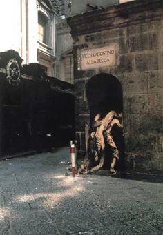 Ernest Pignon-Ernest 3d Street Art, Street Art Graffiti, Street Artists, Naples, Art Graphique, Land Art, Pavement, Banksy, Public Art