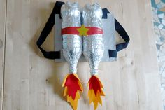 The best Halloween 2018 costume and makeup tutorialBest Halloween Princess Led Costume Canderella disney derella princess halloween halloweencostumes (notitle) Form a super jetpack of space for your loulou, with just that . Astronaut Diy, Diy Astronaut Costume, Space Costumes, Cool Costumes, Halloween Costumes, Halloween Clothes, Halloween 2018, Diy Halloween, Diy For Kids