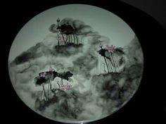 Bandeja de porcelana con motivo su-mie (flores de loto)