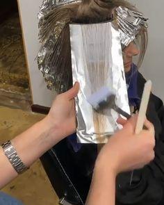 So beautiful 😍😍 Hair Cutting Videos, Hair Cutting Techniques, Hair Color Techniques, Hair Videos, Blonde Hair Shades, Dark Blonde Hair, Hair Color Dark, Cool Hair Color, Balayage Hair Tutorial