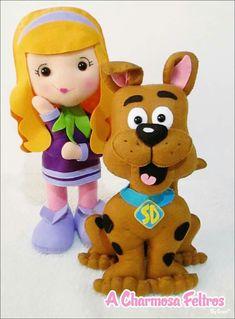 Precioso Felt Crafts Diy, Dog Crafts, Diy Arts And Crafts, Felt Embroidery, Felt Applique, Scooby Doo Toys, Dolls And Daydreams, Felt Banner, Felt Dogs