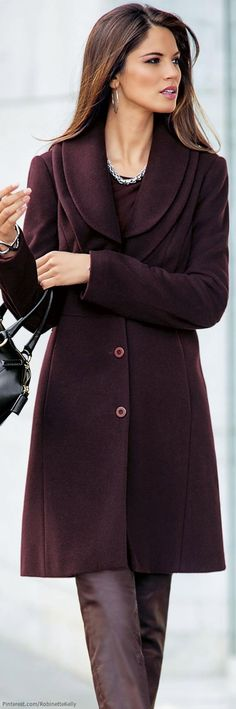 It's hard not to love this Madeleine - Aubergine Coat. Style Work, My Style, Estilo Glamour, Winter Typ, Fashion Outfits, Womens Fashion, Fashion Trends, Look Chic, Trench Coats