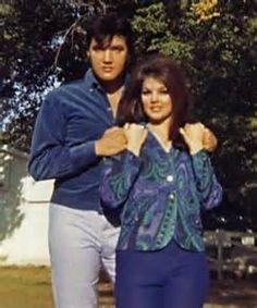 Elvis Presley and Priscilla Presley photographed in Lisa Marie Presley, Priscilla Presley, King Elvis Presley, Elvis Presley Family, Elvis Presley Photos, Graceland Elvis, Mississippi, Tennessee, Sean Leonard