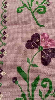 . Hand Embroidery Design Patterns, Pattern Design, Cross Stitch, Holiday Decor, Christmas, Cross Stitch Alphabet, Cross Stitch Embroidery, Handmade Crafts, Dots