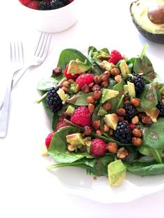 Berry Spinach Salad with Maple Cinnamon Roasted Chickpeas and Balsamic Dressing | Hummusapien