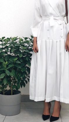 Rojê👸 Pinterest:@RojeFAbdollah Abaya Fashion, Muslim Fashion, Modest Fashion, Fashion Dresses, Hijab Fashionista, Hijab Dress, Hijab Outfit, Modest Wear, Modest Dresses