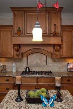 """love the nook behind the stove... don't know if I'd actually store anything in it, wouldn't really want to mess up the lines and I'm turning into a """"white space"""" lover<br>"""